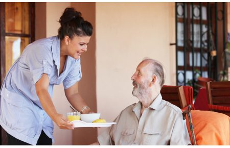 پرستاری و نگهداری از سالمندان در منزل