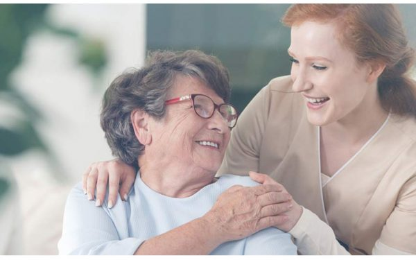 مزیت پرستاری از سالمند در منزل