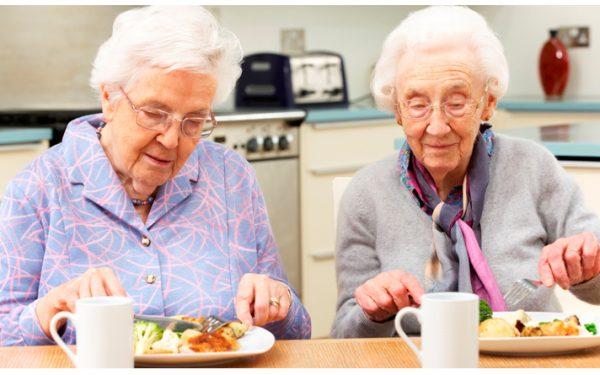 عوامل موثر بر  تغذیه سالمندان