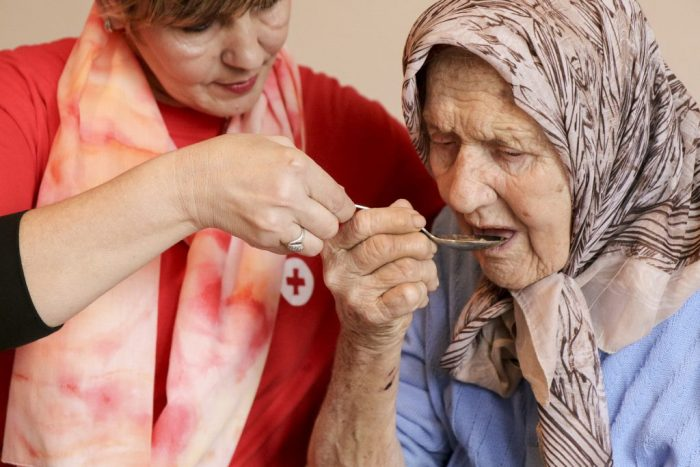 تهیه غذای سالمندان